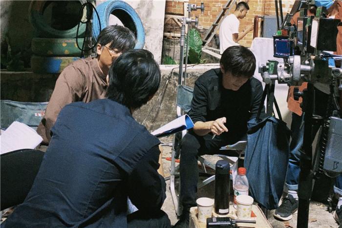 王嘉和柯汶利片场.jpg